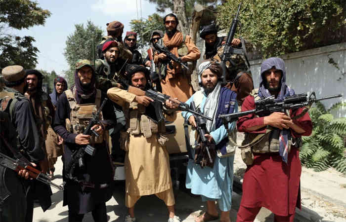 Taliban confiscated 3 gates of Kabul airport, also banned flight