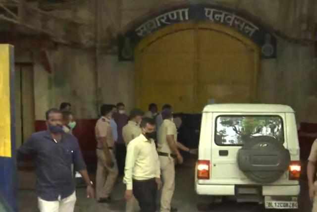 मुंबई पुलिस आर्यन खान